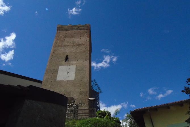 Barbaresco tower